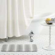 OMBRE BATH MAT_OMSTR-451_LIFESTYLE